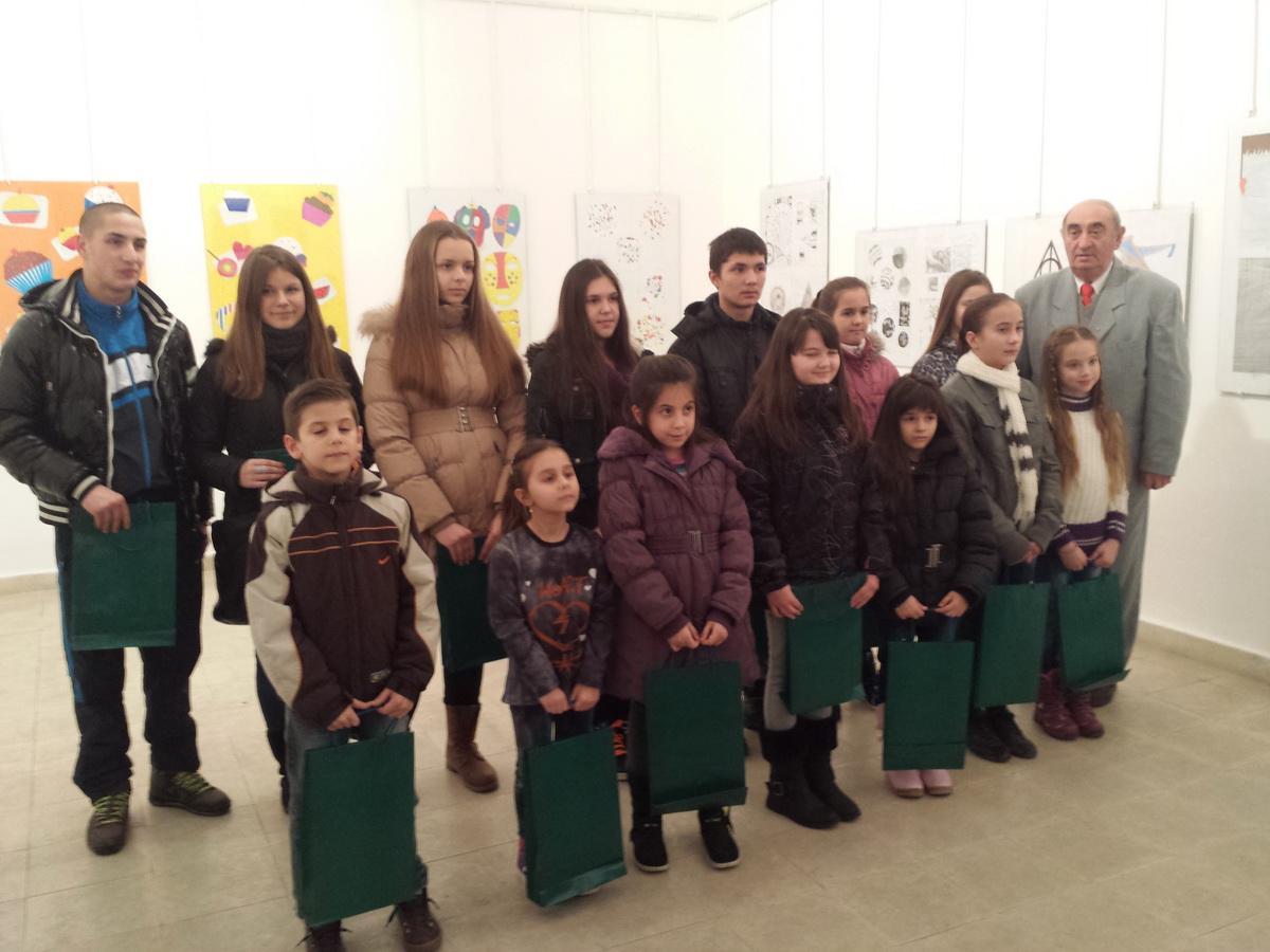 Ликовна изложба ученичких радова